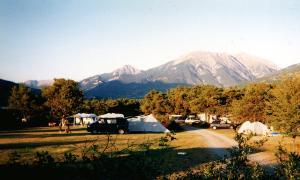 Camping Manu, Crots