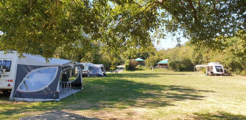 Camping Sur Yonne, Epiry
