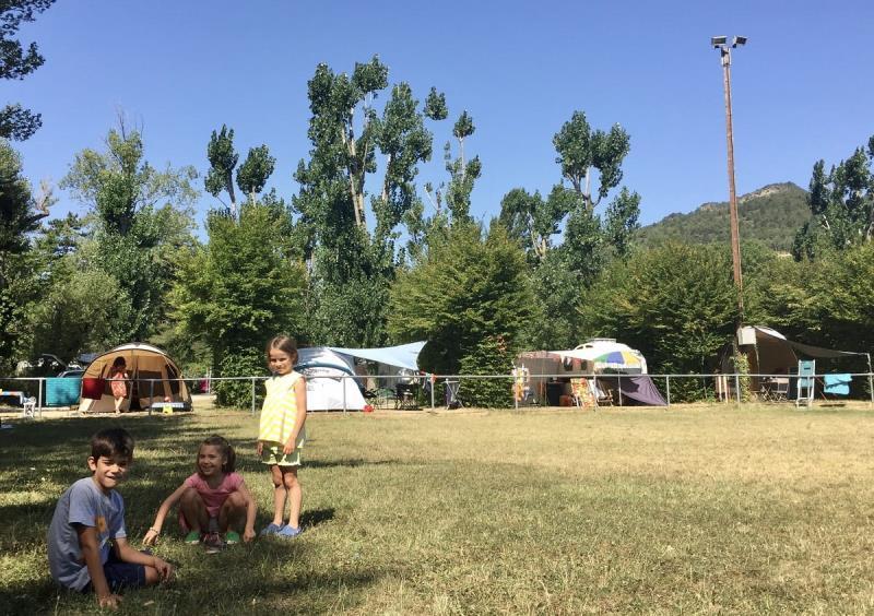 Camping Les Chapelains, Saillans